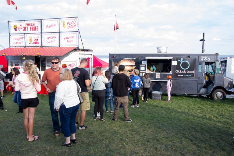 Canada's Largest Ribfest - Food Truck